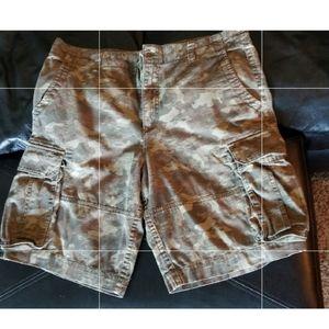 Magellan dark camo cargo shorts 36